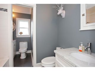 """Photo 9: 21568 48 Avenue in Langley: Murrayville House for sale in """"Murrayville"""" : MLS®# F1446378"""