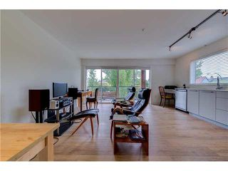 "Photo 5: 206 1661 E 2ND Avenue in Vancouver: Grandview VE Condo for sale in ""2ND & COMMERCIAL"" (Vancouver East)  : MLS®# V1136892"