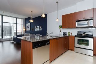 """Photo 2: 102 610 VICTORIA Street in New Westminster: Downtown NW Condo for sale in """"THE POINT"""" : MLS®# R2003966"""