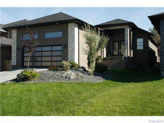 Photo 1: 98 River Ridge Drive in Winnipeg: West Kildonan / Garden City Residential for sale (North West Winnipeg)  : MLS®# 1604271