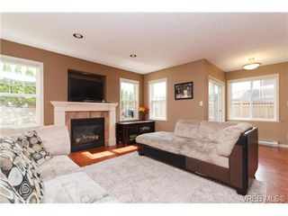 Photo 5: 812 Gannet Court in VICTORIA: La Bear Mountain Single Family Detached for sale (Langford)  : MLS®# 361348
