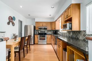 Photo 2: 3529 KALYK Avenue in Burnaby: Burnaby Hospital House for sale (Burnaby South)  : MLS®# R2059196
