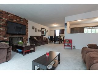 Photo 4: 7568 LEE Street in Mission: Mission BC House for sale : MLS®# R2076118
