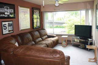 Photo 6: 6491 LOUGHEED Highway in Burnaby: Parkcrest House for sale (Burnaby North)  : MLS®# R2095179