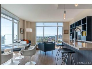 Photo 2: 802 1090 Johnson St in VICTORIA: Vi Downtown Condo Apartment for sale (Victoria)  : MLS®# 740685