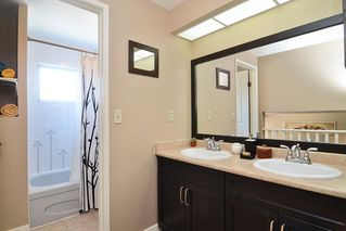 Photo 12: 51 1195 FALCON Drive in Coquitlam: Eagle Ridge CQ Townhouse for sale : MLS®# R2103325