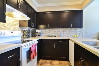 Photo 3: 51 1195 FALCON Drive in Coquitlam: Eagle Ridge CQ Townhouse for sale : MLS®# R2103325
