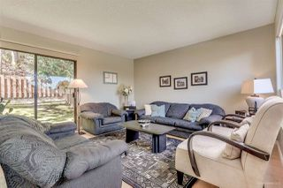 "Photo 3: 431 CARDIFF Way in Port Moody: College Park PM Townhouse for sale in ""EASTHILL"" : MLS®# R2111339"