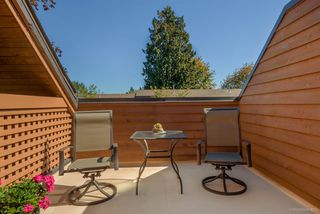 "Photo 16: 431 CARDIFF Way in Port Moody: College Park PM Townhouse for sale in ""EASTHILL"" : MLS®# R2111339"