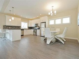 Photo 7: 2385 Lund Rd in VICTORIA: VR Six Mile Single Family Detached for sale (View Royal)  : MLS®# 746536