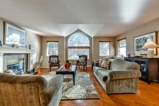 "Photo 3: 3 DEERWOOD Place in Port Moody: Heritage Mountain House for sale in ""HERITAGE MOUNTAIN"" : MLS®# R2124680"