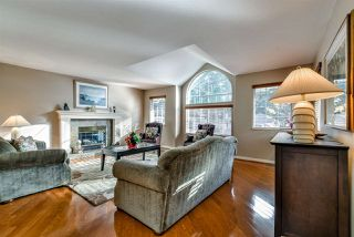 "Photo 2: 3 DEERWOOD Place in Port Moody: Heritage Mountain House for sale in ""HERITAGE MOUNTAIN"" : MLS®# R2124680"