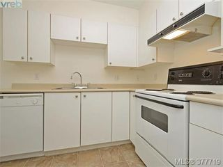 Photo 7: 107 535 Manchester Rd in VICTORIA: Vi Burnside Condo Apartment for sale (Victoria)  : MLS®# 758428