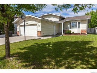 Photo 1: 1203 Kingsmere Boulevard in Saskatoon: Lakeridge Single Family Dwelling for sale (Saskatoon Area 01)  : MLS®# 611562