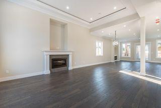 Photo 2: 5526 45 Avenue in Delta: Delta Manor House for sale (Ladner)  : MLS®# R2173859