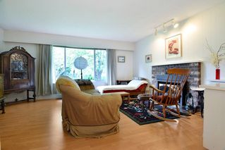 """Photo 6: 22828 COPPERBEECH Avenue in Langley: Fort Langley House for sale in """"Fort Langley"""" : MLS®# R2180083"""