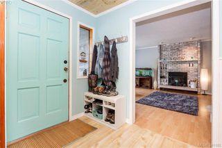 Photo 3: 2380 Kamaureen Pl in SOOKE: Sk Broomhill House for sale (Sooke)  : MLS®# 765791