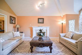 Photo 5: 8333 148B Street in Surrey: Bear Creek Green Timbers House for sale : MLS®# R2191505