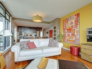 Photo 3: 1106 788 Humboldt Street in VICTORIA: Vi Downtown Condo Apartment for sale (Victoria)  : MLS®# 382656