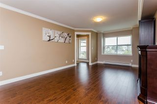 "Photo 6: 305 17769 57 Avenue in Surrey: Cloverdale BC Condo for sale in ""Clover Down Estates"" (Cloverdale)  : MLS®# R2204837"