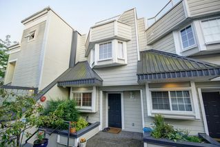 Photo 1: 104 3753 W 10TH Avenue in Vancouver: Point Grey Townhouse for sale (Vancouver West)  : MLS®# R2210216