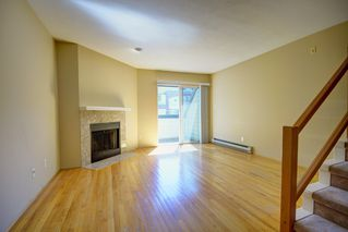 Photo 7: 104 3753 W 10TH Avenue in Vancouver: Point Grey Townhouse for sale (Vancouver West)  : MLS®# R2210216