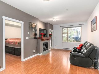 """Photo 10: 109 675 PARK Crescent in New Westminster: GlenBrooke North Condo for sale in """"THE WINCHESTER"""" : MLS®# R2224095"""