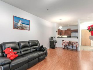 "Photo 5: 109 675 PARK Crescent in New Westminster: GlenBrooke North Condo for sale in ""THE WINCHESTER"" : MLS®# R2224095"