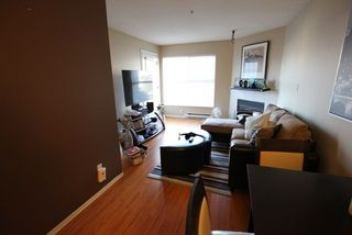 "Photo 7: 404 509 CARNARVON Street in New Westminster: Downtown NW Condo for sale in ""HILLSIDE PLACE"" : MLS®# R2226244"