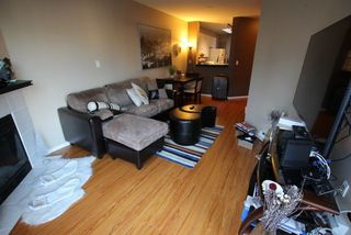 "Photo 9: 404 509 CARNARVON Street in New Westminster: Downtown NW Condo for sale in ""HILLSIDE PLACE"" : MLS®# R2226244"