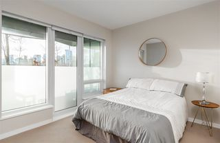 "Photo 6: 103 181 W 1ST Avenue in Vancouver: False Creek Condo for sale in ""THE BROOK"" (Vancouver West)  : MLS®# R2227937"