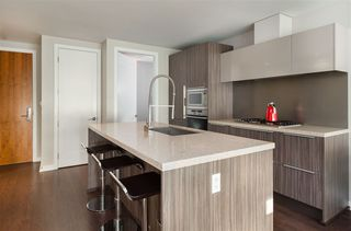 "Photo 10: 103 181 W 1ST Avenue in Vancouver: False Creek Condo for sale in ""THE BROOK"" (Vancouver West)  : MLS®# R2227937"