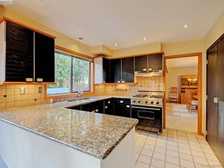 Photo 6: 839 Wavecrest Place in VICTORIA: SE Broadmead Single Family Detached for sale (Saanich East)  : MLS®# 386992
