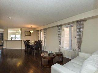 Photo 2: 8 Poncelet Road in Brampton: Northwest Brampton House (2-Storey) for lease : MLS®# W4035192