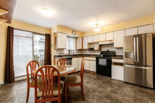 Photo 4: 1 13958 72 Avenue in Surrey: East Newton Townhouse for sale : MLS®# R2239062