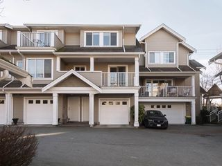"""Photo 2: 26 20875 88 Avenue in Langley: Walnut Grove Townhouse for sale in """"TERRACE PARK"""" : MLS®# R2239328"""
