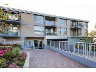 "Photo 2: 302 15777 MARINE Drive: White Rock Condo for sale in ""South Beach"" (South Surrey White Rock)  : MLS®# R2263193"