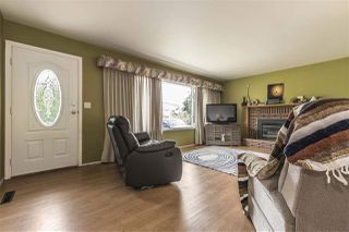Photo 2: 45965 HIGGINSON Road in Sardis: Sardis East Vedder Rd House for sale : MLS®# R2274614