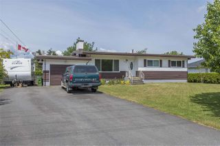 Photo 1: 45965 HIGGINSON Road in Sardis: Sardis East Vedder Rd House for sale : MLS®# R2274614