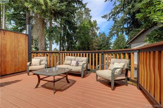 Photo 18: A 596 Langholme Drive in VICTORIA: Co Wishart North Strata Duplex Unit for sale (Colwood)  : MLS®# 394573