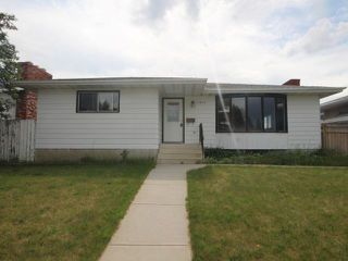 Main Photo: 11039 166 Avenue in Edmonton: Zone 27 House for sale : MLS®# E4121831