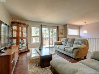 Photo 5: 3185 Monnington Pl in VICTORIA: La Glen Lake Half Duplex for sale (Langford)  : MLS®# 793814