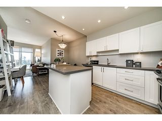 "Photo 7: 2403 963 CHARLAND Avenue in Coquitlam: Central Coquitlam Condo for sale in ""CHARLAND"" : MLS®# R2313880"