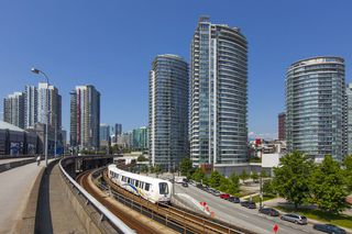 """Main Photo: 2703 688 ABBOTT Street in Vancouver: Downtown VW Condo for sale in """"Firenze 2"""" (Vancouver West)  : MLS®# R2315458"""