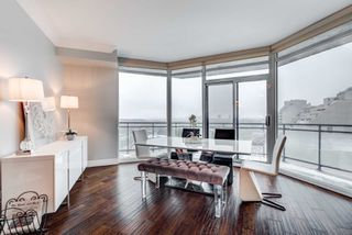 Photo 4: 1802 300 E Bloor Street in Toronto: Rosedale-Moore Park Condo for sale (Toronto C09)  : MLS®# C4358759
