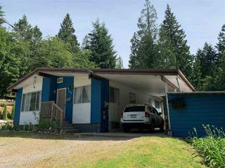 Photo 1: 1060 KEITH Road in Gibsons: Gibsons & Area House for sale (Sunshine Coast)  : MLS®# R2346532