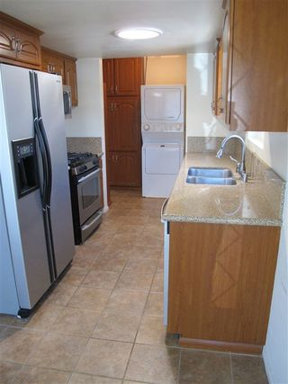 Photo 4: ENCINITAS Twinhome for sale : 2 bedrooms : 751 Sunflower