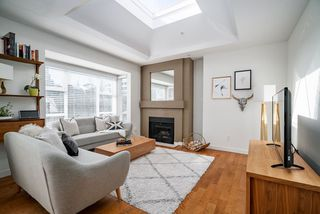 """Photo 1: 409 1333 W 7TH Avenue in Vancouver: Fairview VW Condo for sale in """"WINDGATE ENCORE"""" (Vancouver West)  : MLS®# R2353925"""