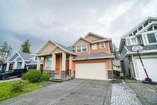 Photo 2: 5958 151 Street in Surrey: Sullivan Station House for sale : MLS®# R2358517