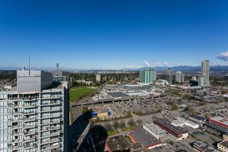 "Photo 25: 4706 13696 100 Avenue in Surrey: Whalley Condo for sale in ""Park Avenue"" (North Surrey)  : MLS®# R2360087"